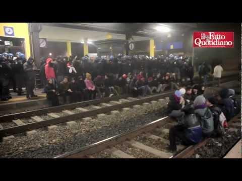 Treni delle scorie, No Tav occupano binari ad Avigliana