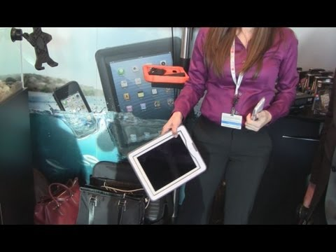 MWC 2013 | Custodie Liteproof impermeabili ad alta resistenza per devices iOS [video by HDblog]